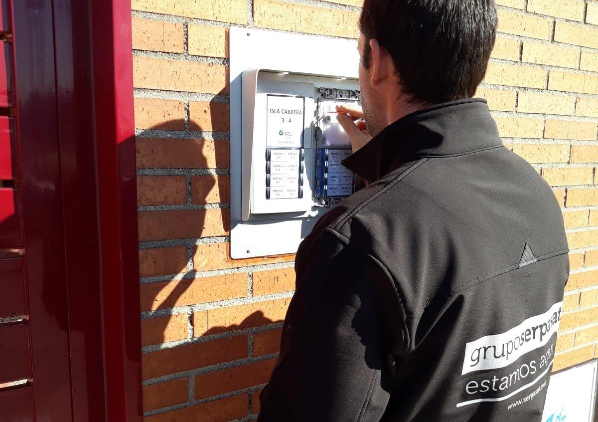 Beneficios de contar con el mantenimiento de videoporteros y porteros automáticos en Móstoles
